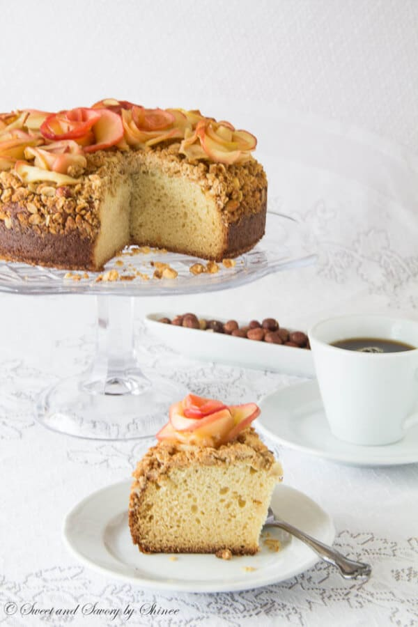 Hazelnut Crumb Coffee Cake-2