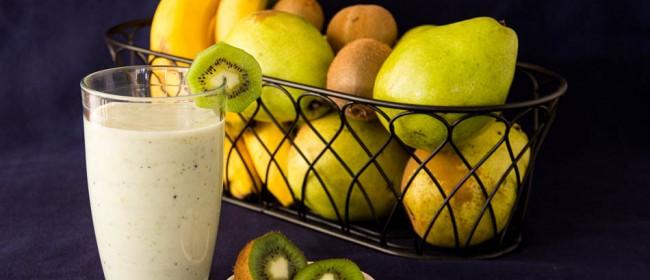 キウイ&バナナスムージーの2ステップレシピ♡食物繊維たっぷりの朝ドリンク