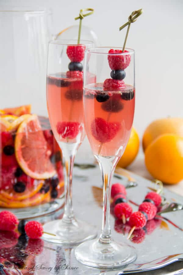 Fruity moscato sangria sweet savory by shinee for Easy fruit tea recipe