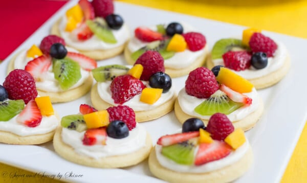 Mini Fruit Pizzas ~Sweet & Savory by Shinee