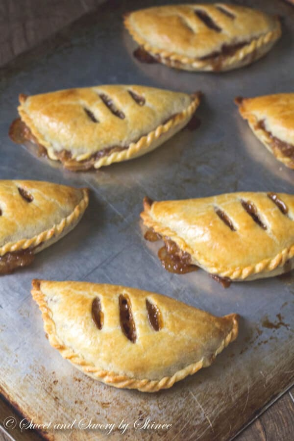 Apple Pie Turnover These Apple Pie Turnovers
