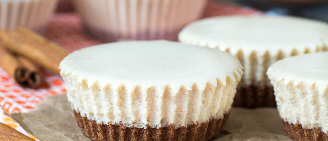 Chai Latte No-Bake Mini Cheesecakes