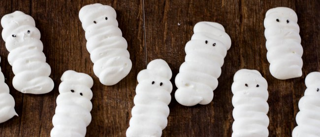 Mummy Meringue Cookies