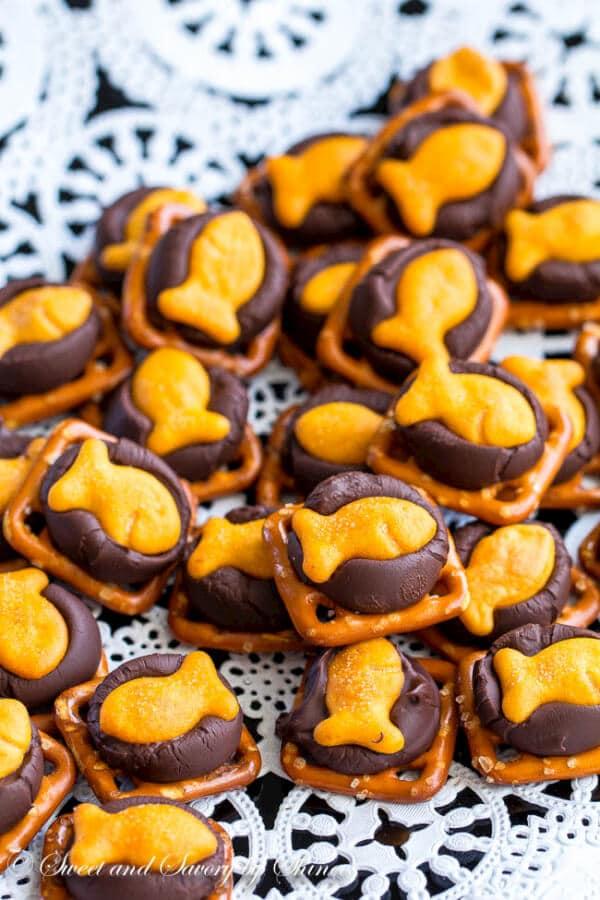 Chocolate goldfish cracker bites sweet savory by shinee for Gold fish snack