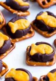 Chocolate Goldfish Bites-5