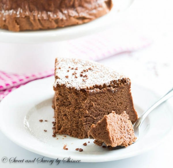 Make this delicious chocolate soufflé cheesecake with just 3 pantry staples. Perfect treat for your special Valentine.