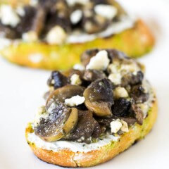 Blue Cheese Mushroom Crostini-1