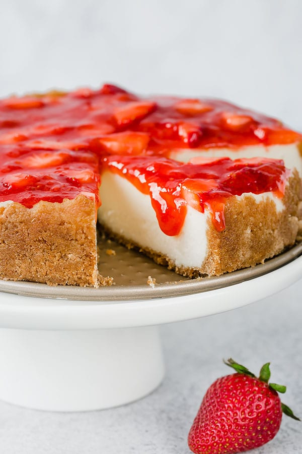 Irresistibly rich and creamy, this easy cheesecake is made quick and easy in an Instant Pot! #easycheesecake #instantpotdessert #instantpotcheesecake #cheesecake