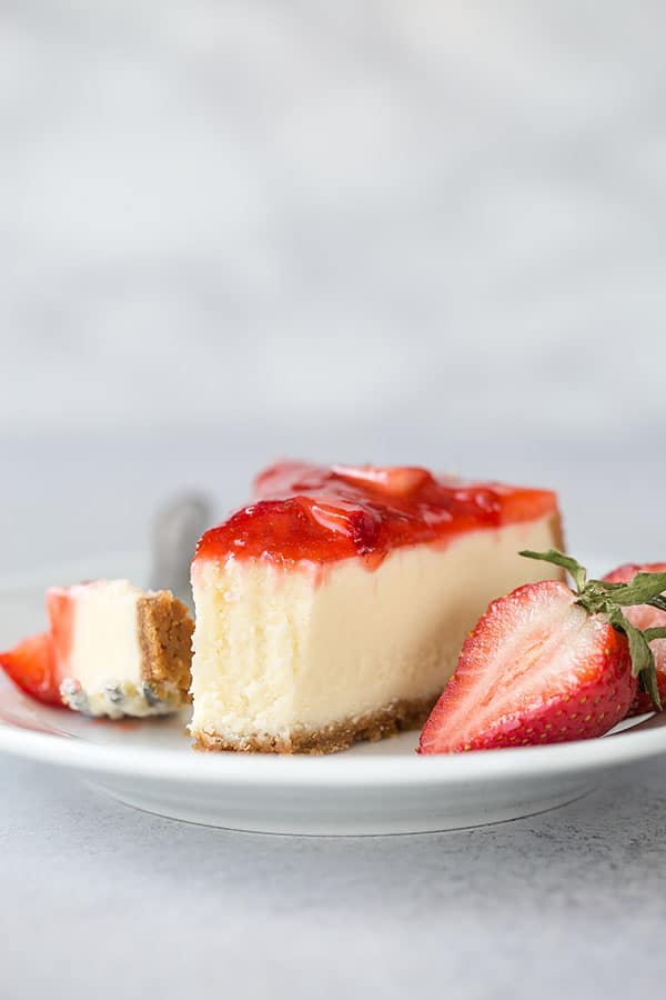 Did you know you can make cheesecake in Instant Pot. Yes, you can! And it's totally worth it! #easycheesecake #instantpotdessert #instantpotcheesecake #cheesecake