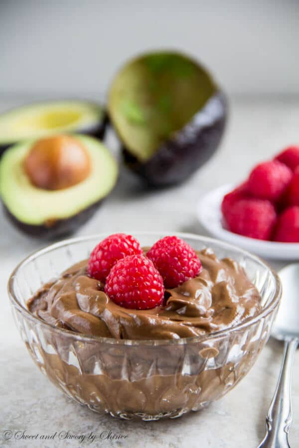 Rich chocolate mousse that is totally acceptable for breakfast. You only need 5 ingredients and 5 minutes to whip this up!
