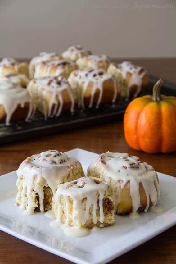 My Favorite Fall Recipes: Pumpkin Cinnamon Rolls