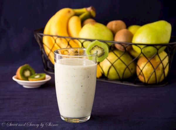 Pear Kiwi Smoothie-2