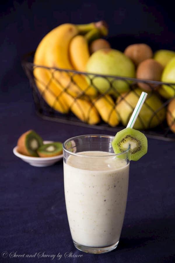 Pear Kiwi Smoothie-4