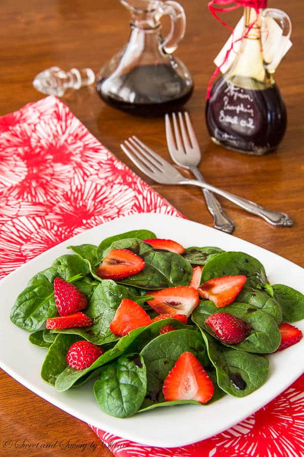 Slightly tart and mildly sweet, this strawberry spinach salad with a hint of nutty flavor is delicious and healthy treat.