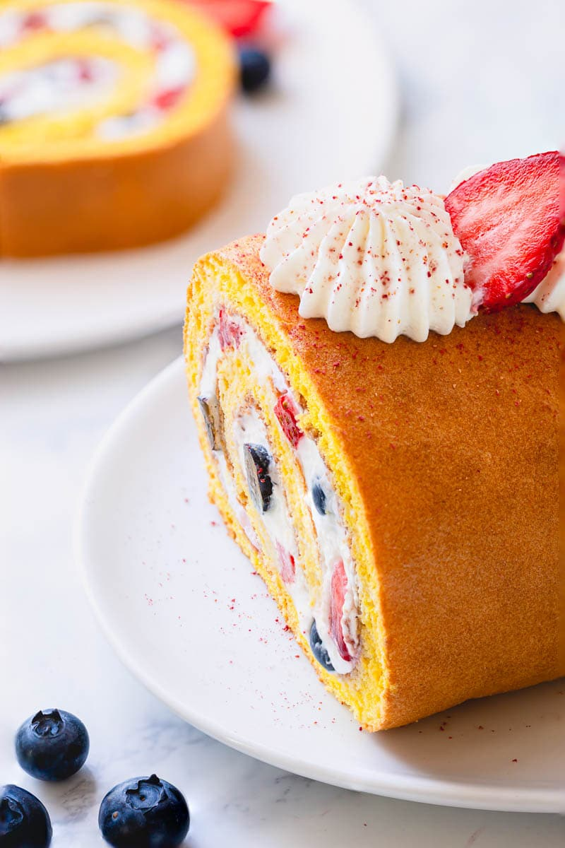 Effortlessly impressive, this simple roll cake is my go-to last minute dessert. #rollcake #swissroll