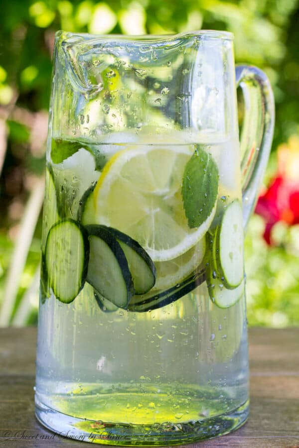 Refreshing Cucumber Lemon Mint Water - Naturally infused water all summer long...