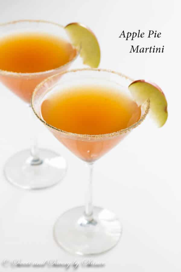 This delicious apple pie martini has all the flavors you love about classic fall dessert. A must-make martini for this coming holiday season!