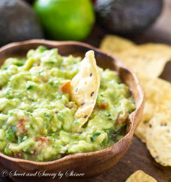 This simple guacamole recipe is for every guacamole purists out there. Super easy, basic guacamole that every party should have!