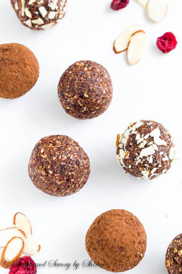 Made with all natural, good for you ingredients, these almond energy balls are so easy to make and absolutely satisfying. This energy balls recipe is a keeper.