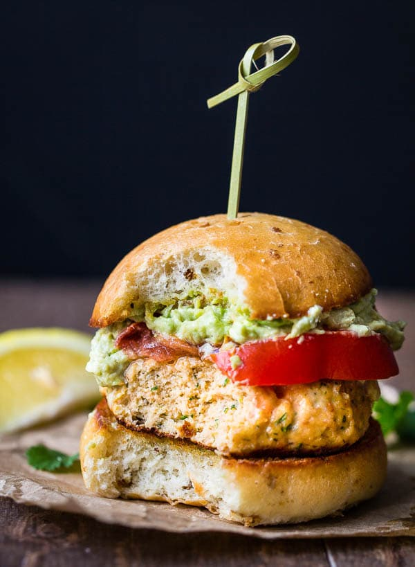 Easy salmon recipe... These mini salmon burgers are sure crowd pleaser!