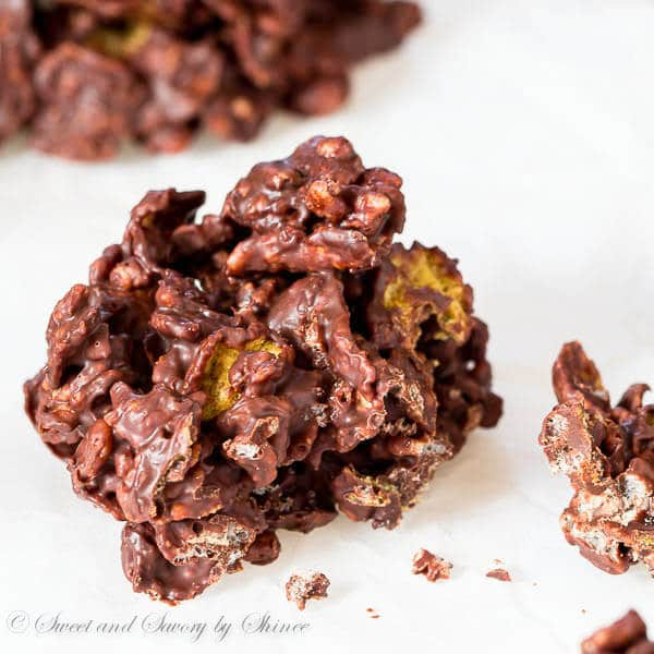 Irresistibly crispy and light, these no-bake orange infused chocolate crisps are easy to make and require only 4 ingredients. Perfect holiday treat!