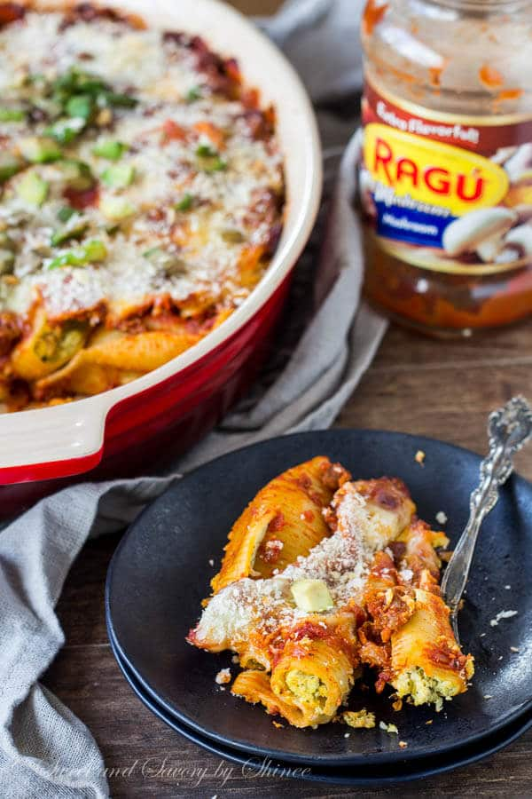 Filled with pesto ricotta filling, these jumbo stuffed shells are simmered in rich Ragu sauce and topped with crispy Panko and creamy avocado. Lots of flavor and lots of texture! A delicious way to bring your family together at the dinner table.