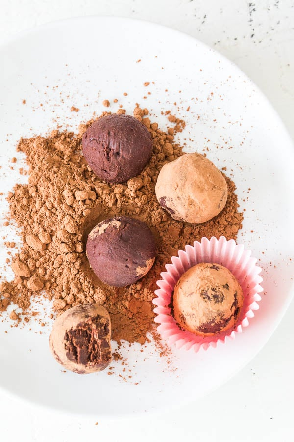 Yes, it's possible! 2-ingredient red wine truffles are deliciously indulgent and boozy treat. The secret is in milk chocolate!