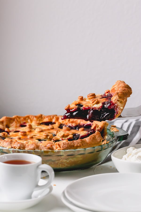 Delicious homemade sweet cherry pie from scratch. Easy recipe that your family will love!! #cherrypie