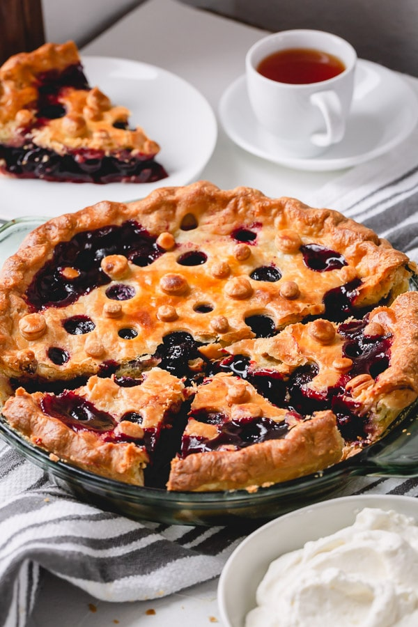 Nothing beat homemade cherry pie! This's a must try #cherrypierecipe
