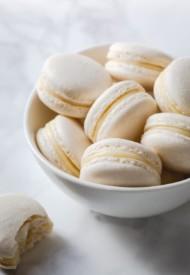 Pure-White-Macarons-17-190x275.jpg