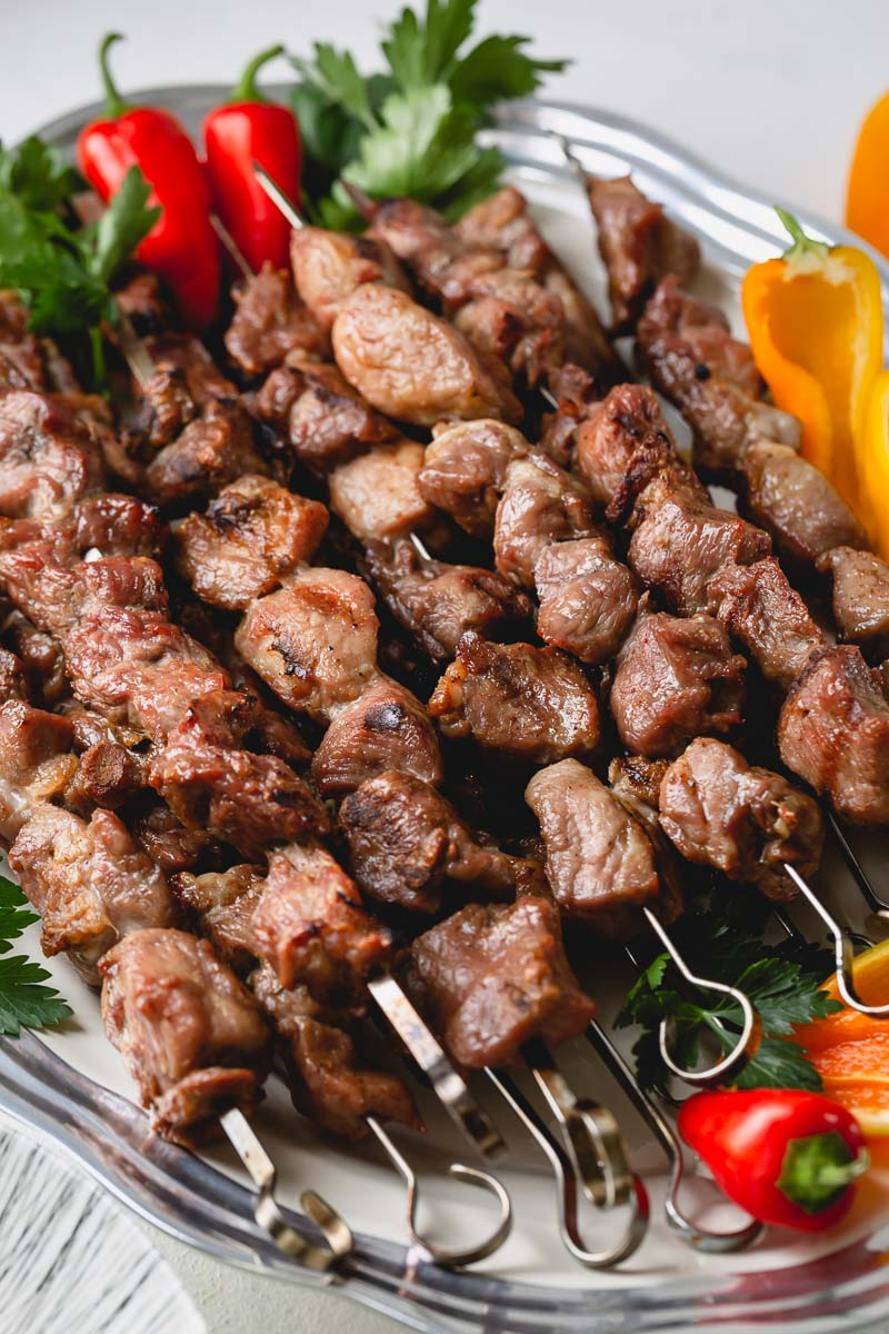 Grilling pork kebabs is EASY and so delicious! Here's the easiest marinate for flavorful , juicy pork kebabs! #porkkebabs #shashlik
